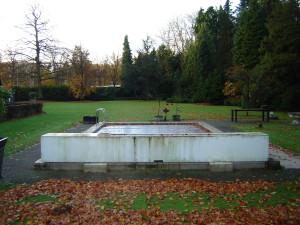 Van Kuik Zwembaden; Renovatie vóór.